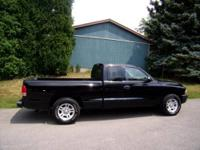 2001 Dodge Dakota , clearcoat black, 4 speed automatic