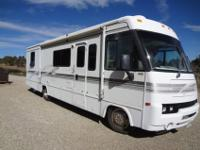2001 ITASCA 32 FT CLASS A MOTOR HOME38,000 MILES, GM