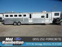 2001 SUNDOW HORSE TRAILER Our Location is: Mel