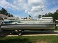 2002 22' G3 Pontoon boat with extra large pontoons,