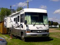 2002 Allegro Bay 36 Workhouse 2 roof air condition