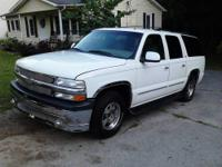 2002 CHEVY SUBURBAN LT that is auto,leather,all power