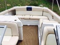 2002 Chris Craft Launch 28 The most luxurious bow rider