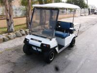 Golf Cart 2002 Club Car for sale. This cart has good