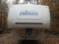5th wheel dutchmen lite 2002. 28BH model   Camper has