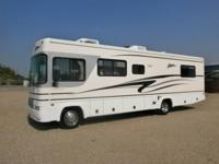 2002 FLEETWOOD STORM, MINT CONDITION, TWINS BED IN