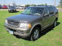 Options Included: 4WD, Gas, Cloth Seats, Trailer Towing