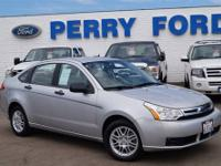 Don't miss out on this deal. This Ford Focus is a great