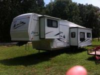 2002 Forest River Sierra RL30SS 5th Wheel This is a