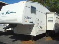 2002 Forest River Wildcat 27RK 5th Wheel 27' 5th Wheel