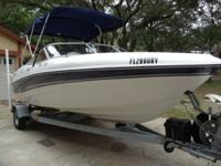 2002 Four Winns Horizon H180 Custom Family Fish Ski