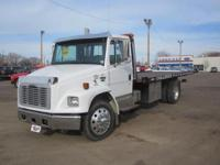 2002 FREIGHTLINER MED CONV F CONVE Our Location is: