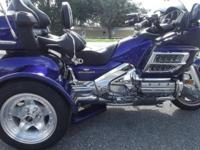 2002 HONDA GOLDWING TRIKE 1800CC LOW MILES, ONLY 27,000