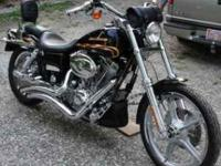Description Full Financing Available! 2002 Dyna Wide