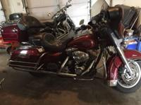 2002 Harley Davidson FLHT Electra Glide Classic. Nice