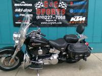Bikes Softail 471 PSN. A smooth running twin-cam 88B