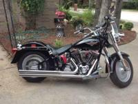 2002 Harley Davidson FLSTF Fat Boy Softail. This