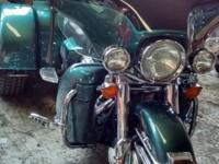 2002 Harley-Davidson Ultra Classic Trike with Reverse