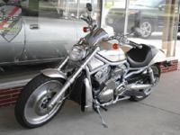 19006 miles, Body Style: Motorcycle, Exterior Color: