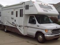 Very nice 30 foot Class C RV with a super-slide and
