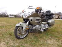 2002 Honda Goldwing GL1800. This bike runs and rides