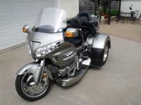 2002 Honda GL1800 Goldwing Trike. 2011 Motor Trike