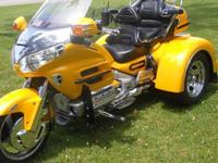 ,,,,,2002Exterior Color: PEARL YELLOW Make: HondaEngine