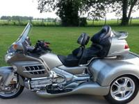 ,,,,2002 Titanium color - Honda Gold Wing Roadsmith