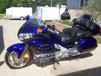 2002 Honda Goldwing GL1800 - Clean, clean, clean!!