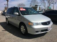 This SILVER HONDA ODYSSEY IS A CLEAN CARFAX VEHICLE