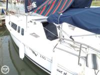 This HUNTER 240 is an excellent boat for numerous