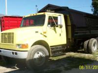 2002 International 4700 AUTOMATIC EXTENDED CAB TRUCK IS