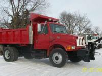 2002 International 4900 AUTOMATIC WITH 10FT DUMP BED
