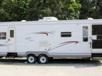 2002 JAYCO EAGLE 30' TRAVEL TRAILER. Take a look at