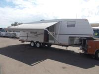 2002 Jayco Quest Fifth Wheel Model: 253D 27 FT Sleeps
