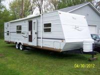 2002 34' Jayco Travel Trailer with 1 manual slide Has a