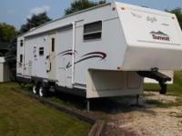 2002 Jayco Summit M305BHS 5th Wheel. 2002 Jayco 305 BHS