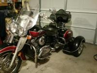 Beautiful red/blk w/windshield, trunk, saddlebags &