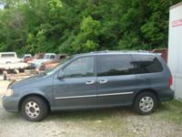 2002 KIA SEDONA EX MODEL NEEDS MOTOR, VAN IS NICE!