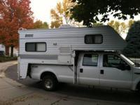 2002 Lance M915 Truck Camper. Lance Lite 9.6 FT Cab
