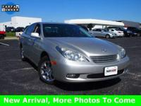 One-owner! Silver Bullet! This good-looking 2002 Lexus