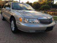 2002 Lincoln Continental with low miles. 1 Owner, Clean