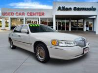 2002 Lincoln Town Car 4dr Car Cartier Our Location is:
