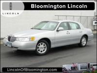 2002 Lincoln Town Car Signature Limited 1 OWNER, LOW