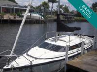 - Stock #72314 - This well maintained, 2002 Macgregor