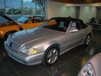 Exterior Color: silver, Body: Convertible, Engine: V8