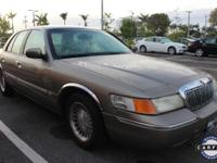 CLEAN CARFAX and LEATHER. Grand Marquis LS. Promotes