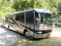 2002 Monaco Windsor, Class A Diesel, 2 slides and