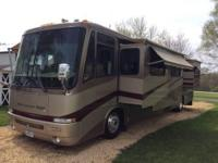 2002 Newmar Mountain Aire 40' Diesel Pusher Motorhome