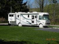 36' National Dolphin Motorhome, 2 slides, on board